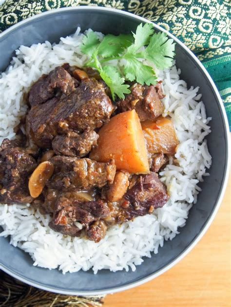 curry massaman beef cooker slow flight spicy cooked