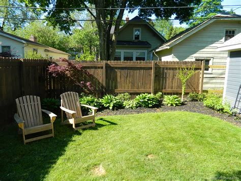 Backyard Fence Options by Ittybittybungalow Updating And Renovating A Small