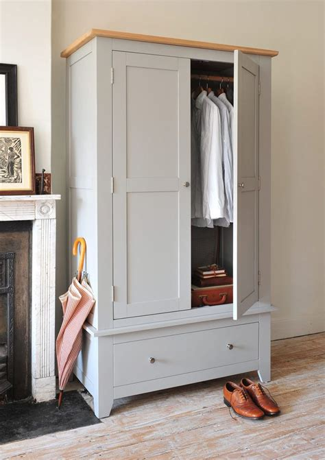S Wardrobe Furniture by 25 Best Ideas About Grey Bedroom Furniture On