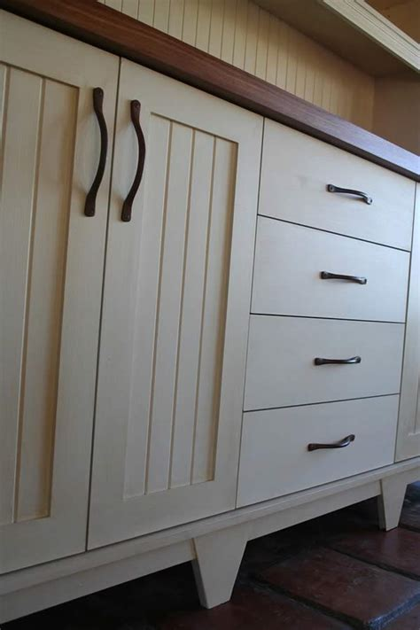 Free Standing Kitchen Storage Cabinets With Drawers by Low Cost Kitchen Cabinets Low Cost Kitchen Cabinets