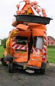 Non Respect Des Distances De Sécurité : please drive safely agents safety bison fut ~ Medecine-chirurgie-esthetiques.com Avis de Voitures