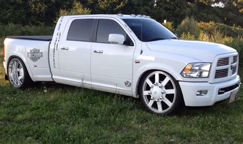 Ram 3500 Lowered on an Airride Suspension.