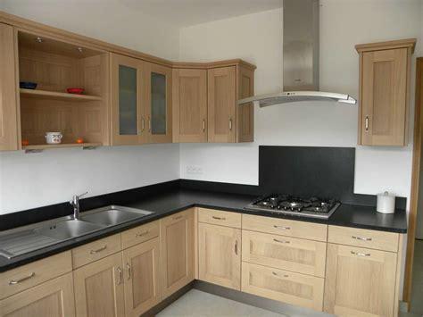 modele de cuisine en bois cuisine moderne bois et noir modele incorporee 2017 avec