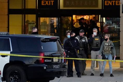 Police search for suspect in Wisconsin mall shooting ...