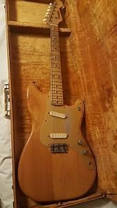 1956 Fender Duo Sonic Electric Guitar W   Original Case