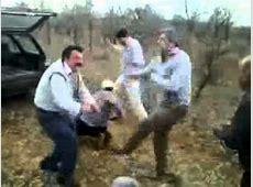 Betrunkene Männer tanzen im Wald YouTube