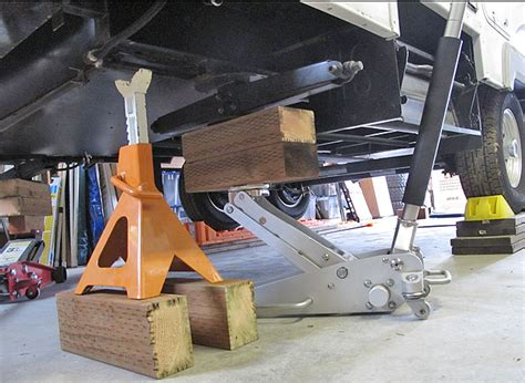 Boat Trailer Jack Placement by Rv Net Open Roads Forum Fifth Wheels Jacking Up A Fiver