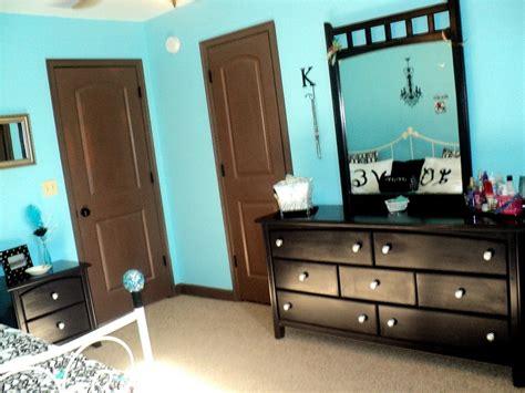 black white  tiffany blue bedroom  painted
