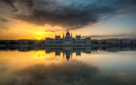 Hungarian Parliament Building Hd Wallpaper Background