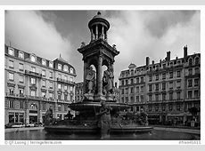 Black and White PicturePhoto Place des Jacobins Lyon