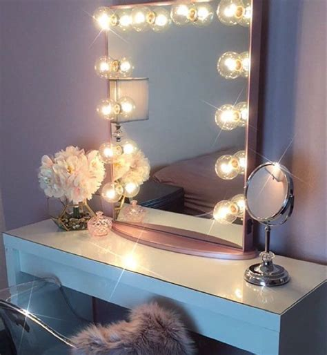 Makeup Vanity Table With Lights And Mirror by 1000 Ideas About Makeup Tables On Makeup