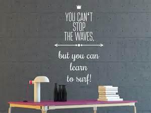 wohnung wohnzimmer wandtattoo learn to surf wandtattoo de