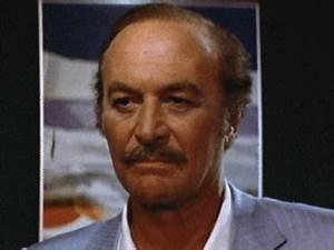 INTERNATIONAL: Scarface actor Robert Loggia dead at 85 ...