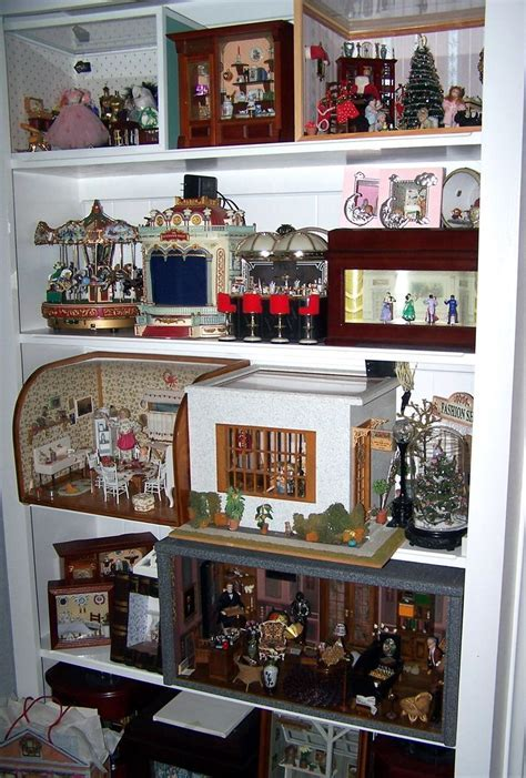 17 Best images about Display Your Dollhouses & Miniatures
