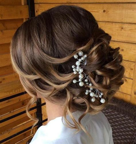 Wedding Hairstyles Updos With Curls by 40 Chic Wedding Hair Updos For Brides