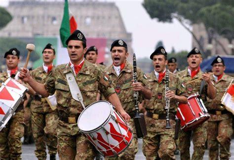 dimonios  piazza  concerti della banda della brigata