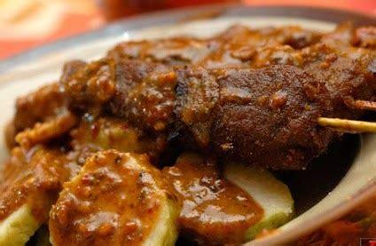 Sate kere, kuliner khas solo berupa sate yang terbuat dari tempe. Resep Masakan Indonesia: Resep Sate Kere Khas Solo