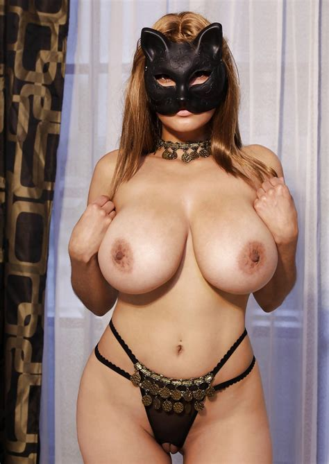 2410.jpg in gallery Arab, arabian, boobs, tits (Picture 1) uploaded by lordship12 on ImageFap.com
