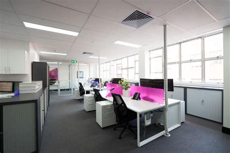 Premium Strata Office Workstation Design