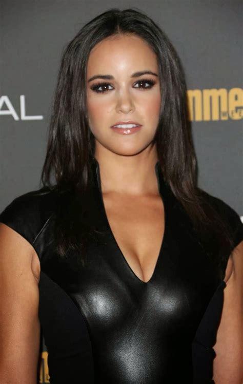 a look at smokin hot actress melissa fumero