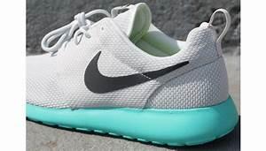 Gallery For > Nike Roshe Run Calypso