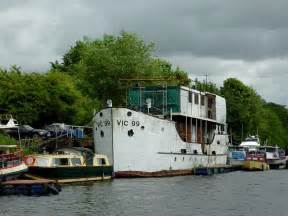 Vic  Moored South Of Stourport Roger Kidd