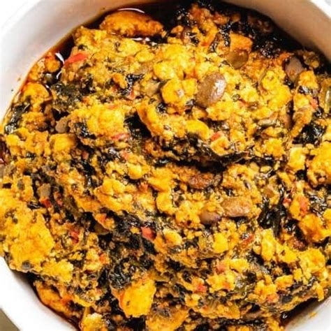 Na one of di most popular soups wey most tribes for nigeria dey prepare wit different styles. Egusi Soup | Low Carb Africa