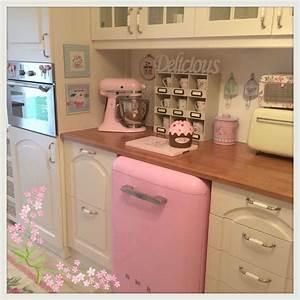 Smeg Kühlschrank Rosa : vintage kitchen pink smeg my dream future pinterest k che traumk chen und pastell ~ Markanthonyermac.com Haus und Dekorationen