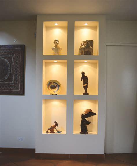 plaque murale cuisine réaliser des niches des meubles et des coffres en plaques