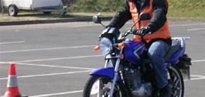 A Quel Age Peut On Conduire Une Moto 50cc : combien coute le permis a1 moto plein phare ~ Medecine-chirurgie-esthetiques.com Avis de Voitures