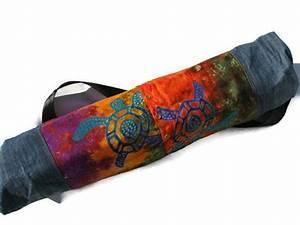 les 25 meilleures idees de la categorie tapis de pilates With tapis yoga avec canapé cuir bleu marine