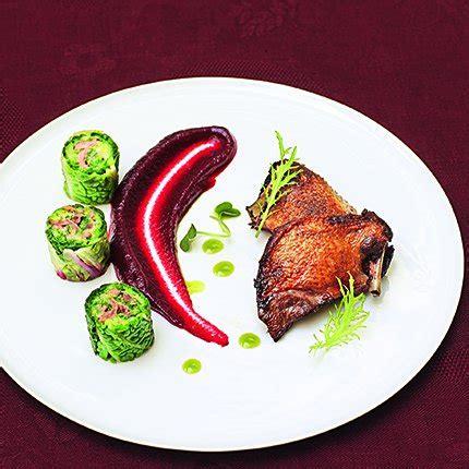 cuisiner pigeon suprême de pigeon rôti purée de betterave
