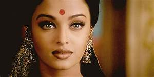 Reclaiming The Bindi: The Modern Movement | Odyssey