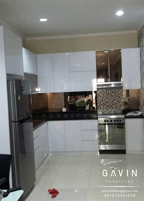 memilih desain kitchen set minimalis modern untuk apartemen kitchen set minimalis lemari