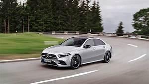 Classe A Berline : 2019 mercedes benz a class sedan v177 is far more elegant than hatchback autoevolution ~ Medecine-chirurgie-esthetiques.com Avis de Voitures