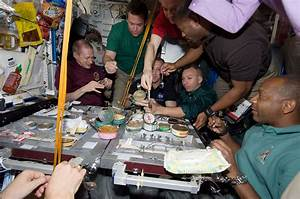 Atlantis astronauts to give their thanks with shuttle ...