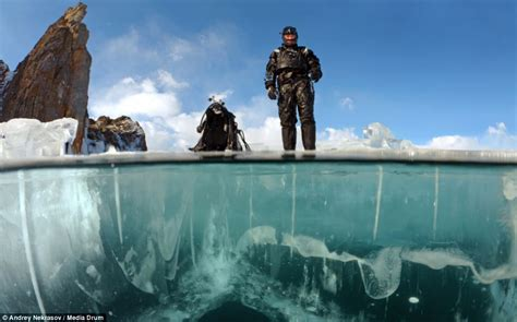 Photographer Andrey Nekrasov captures divers in Lake ...