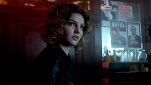 Selina Incites A Bar Fight | Season 3 Ep. 4 | GOTHAM - YouTube