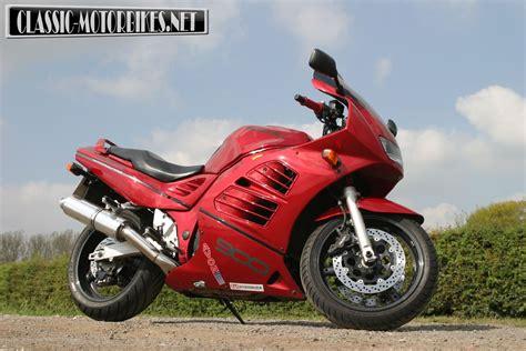 1995 Suzuki Rf900r by Suzuki Rf900r Fast Classic Road Test Classic Motorbikes