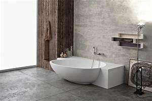 Halb Freistehende Badewanne : petite baignoire d 39 angle et solutions pour petits espaces ~ Frokenaadalensverden.com Haus und Dekorationen