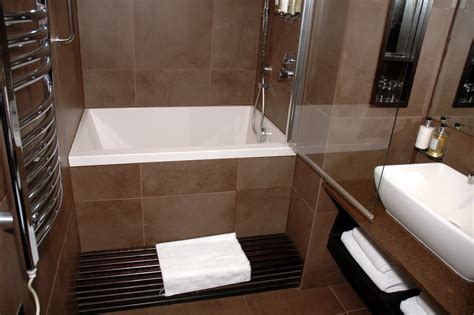 Small Bathroom Designs With Tub by Bathroom Soaking Tubs For Small Bathrooms With Modern