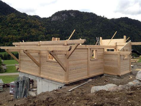 construction d un chalet attitude bois chalets bonnevaux constructeur de chalets le