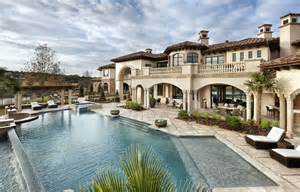 Stunning Mediterranean House Plans With Pools by 16 Spettacolari Ville Di Lusso Con Piscina Mondodesign It