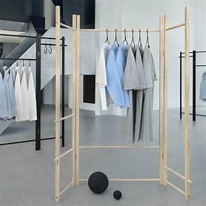 Kleiderstange Wand Holz : 30 klevere stilvolle und moderne kleiderstangen ideen ~ Michelbontemps.com Haus und Dekorationen