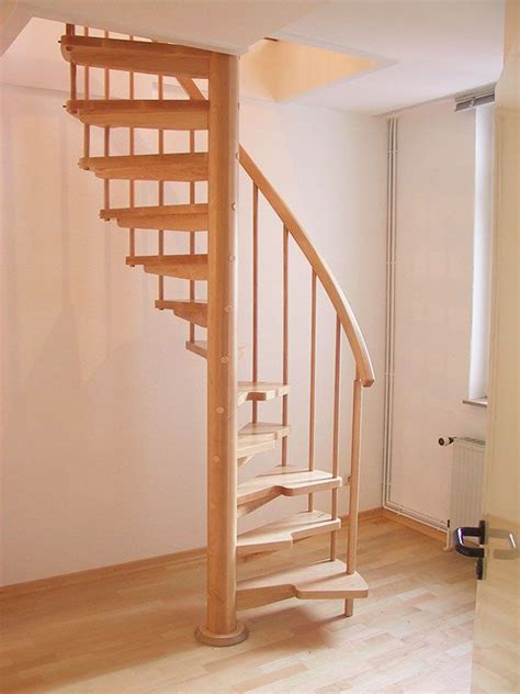 raumspartreppen treppe dachboden   treppe