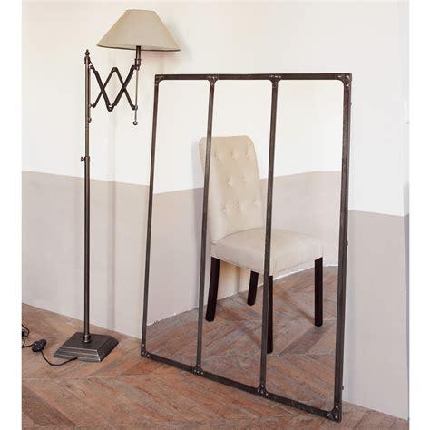 miroir en metal effet rouille   cm cargo maisons du monde