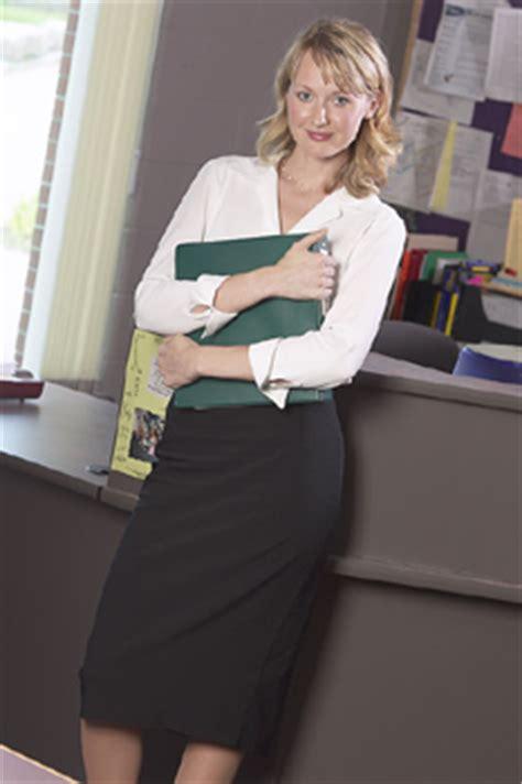 secretary career paths  deb