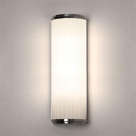 ip44 class 2 double insulated bathroom wall light in