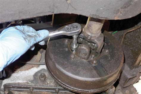 replace  transfer box rear oil seal pictures