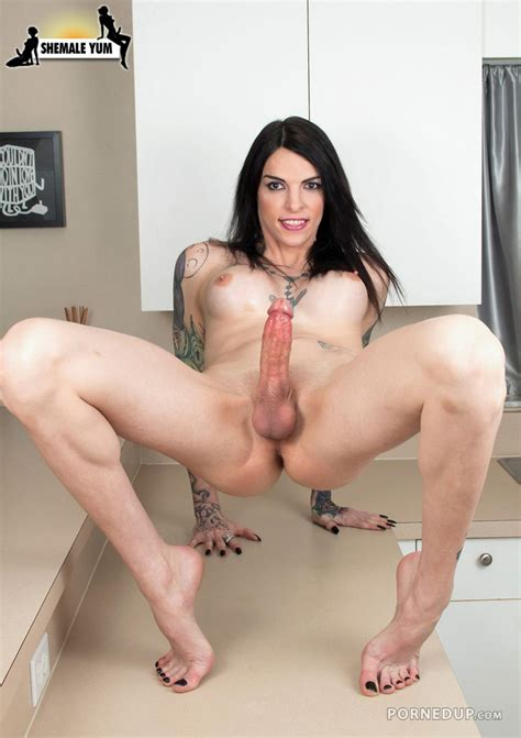 Hot Cock Tranny Porned Up